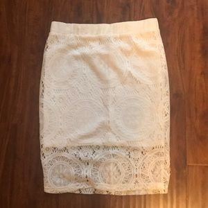Lace white pencil skirt